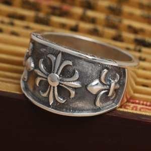上品上品な輝きを放つ形春夏  クロムハーツ シルバー925 アクセサリー 指輪