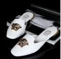高級感溢れる VERSACE ヴェルサーチ レディース ミュールサンダル 素敵な一品 ホワイト.