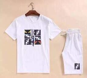 着心地が良いフェンディ、Fendiの数量限定得価のメンズ半袖Tシャツとショートパンツのセット.