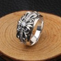 超美品CHROME HEARTSクロムハーツコピー指輪 ダイヤモンド リング フローラルクロスリング SV925 シルバー 指輪