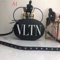 VALENTINO ヴァレンティノ ショルダーバッグ 4色可選 お洒落ポイント高め 可愛い一枚革仕立て