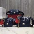スタイリッシュで上品な 高品質素材で作られる VALENTINO ヴァレンティノ ショルダーバッグ