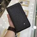VERSACE ヴェルサーチ 財布 コピー メンズ ジップ長財布 ブラック ユニークなデザインに大人気 ブラック ロゴ入り 最安値