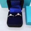 秋冬らしい落ち着いた雰囲気も演出  リング/指輪日々のスタイリングの幅をもっと広げる ティファニー Tiffany&Co 2色可選 上品な秋冬コーデに仕上げる