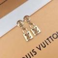 2019秋冬におすすめ着こなし   ピアス ルイ ヴィトン 簡単にコーデをおしゃれに演出 LOUIS VUITTON 普段使いもオフィスもOK