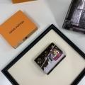 財布/ウォレット 動きやすく楽チンなスタイル  ルイ ヴィトン 防寒とおしゃれを両立させるコーデ  LOUIS VUITTON  秋冬の色味が叶える華やかコーデ