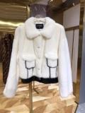 シャネル冬ファッションコーデの幅も広がる  CHANEL 真冬でおしゃれに着こなす ハーフコート 秋冬おしゃれをより楽しませる