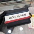 ナチュラルコーデのコツ  ディオール DIOR ナチュラルスタイルに最適 ポーチ まだまだ人気継続中