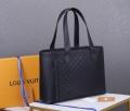 ルイ ヴィトン 春夏らしくて軽やかにする LOUIS VUITTON 大胆なトレンド感を楽しむ ハンドバッグ