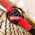 お買い得大人気オシャレ明るいカラー腕時計シュプリーム コピー 通販大人シックな雰囲気ブラックレッドウォッチ