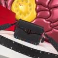 VALENTINO ヴァレンティノ ショルダーバッグ 3色可選 人気な定番アイテム エレガンスな雰囲気に