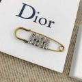 ブローチ 最新トレンドファッション新着 2019春夏トレンドカラー ディオール DIOR