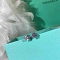 遊び心たっぷり秋冬コーデ ティファニー Tiffany&Co 秋冬コーデに合わせやすい ピアス 着こなしの幅が広がる